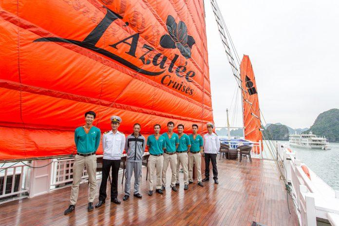 Chiêm ngưỡng vịnh Hạ Long trong ngày với L'Azalee Classic