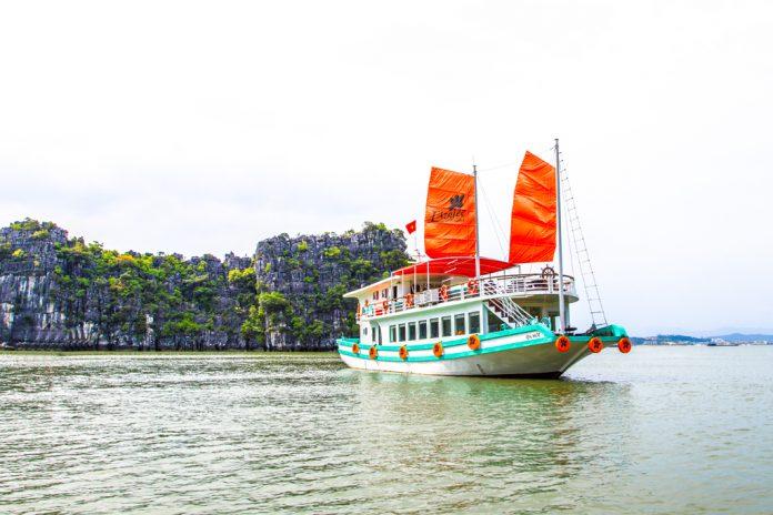 halong-bay-day-cruises hành trình du thuyền 2N1Đ