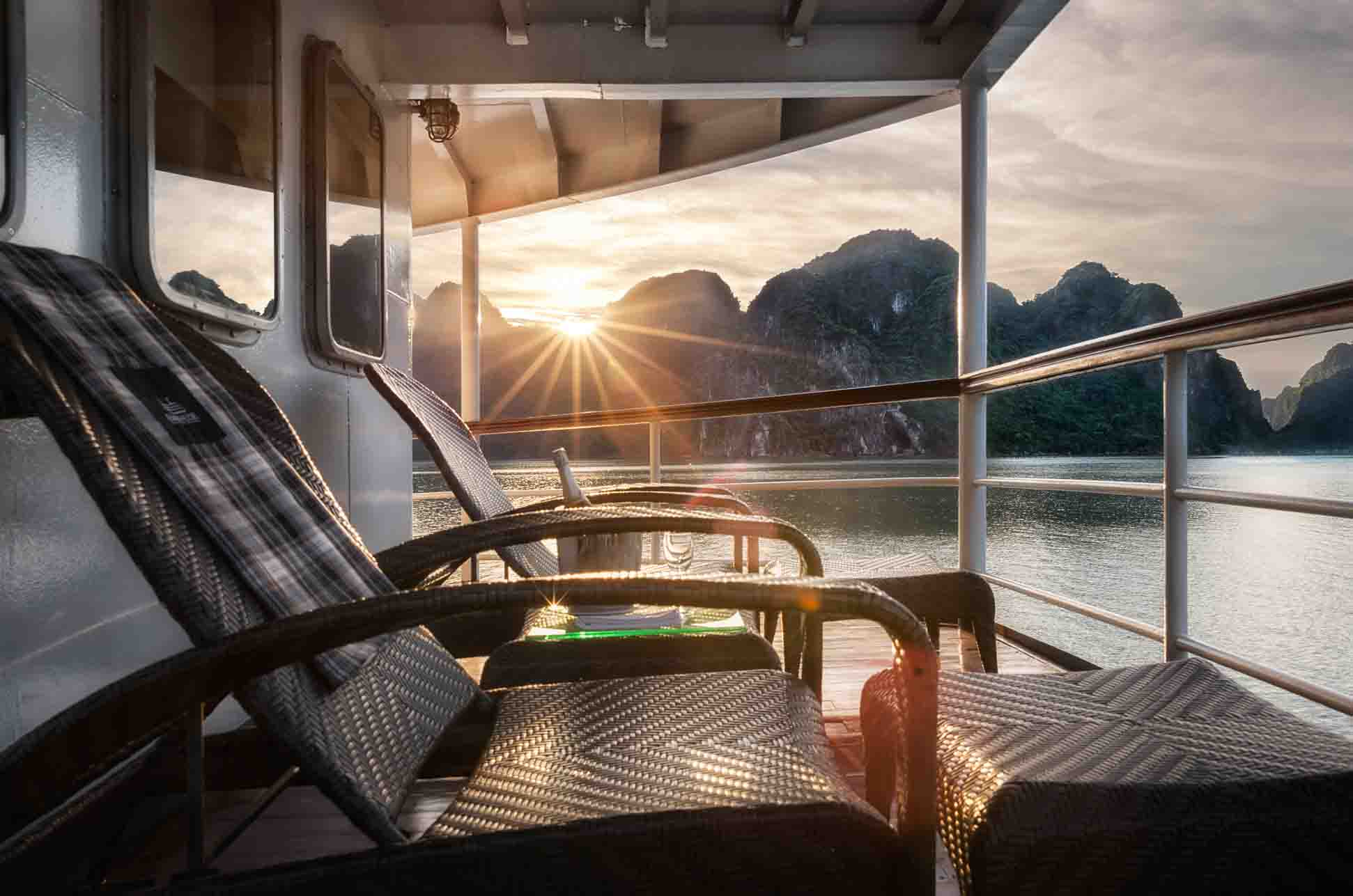 Top 10 Best Halong bay Overnight Tours | The 2017 Guide