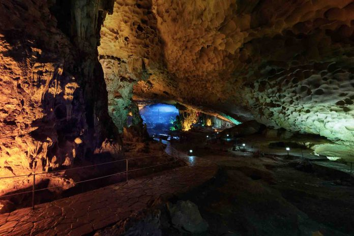 Caving in Halong places