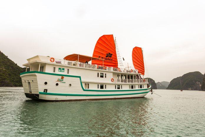 Du thuyền đẹp Hạ Long