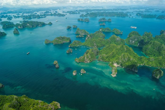 Halong-bay-and-seaplane-flight