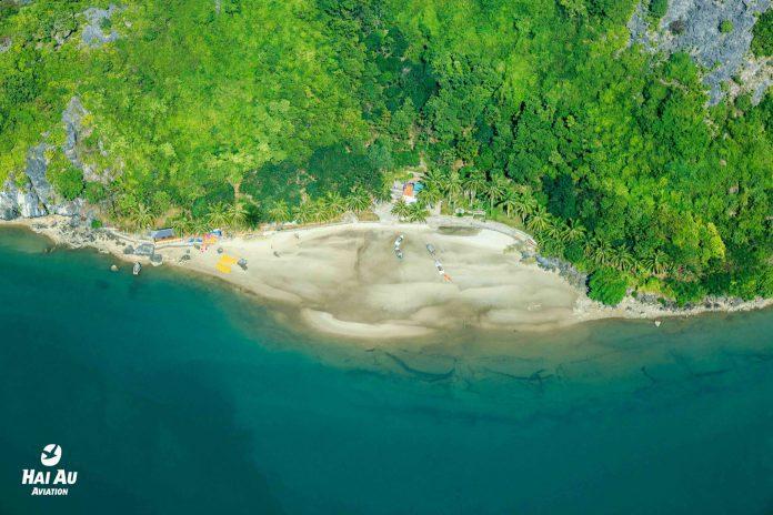 Bãi biển đẹp Hạ Long