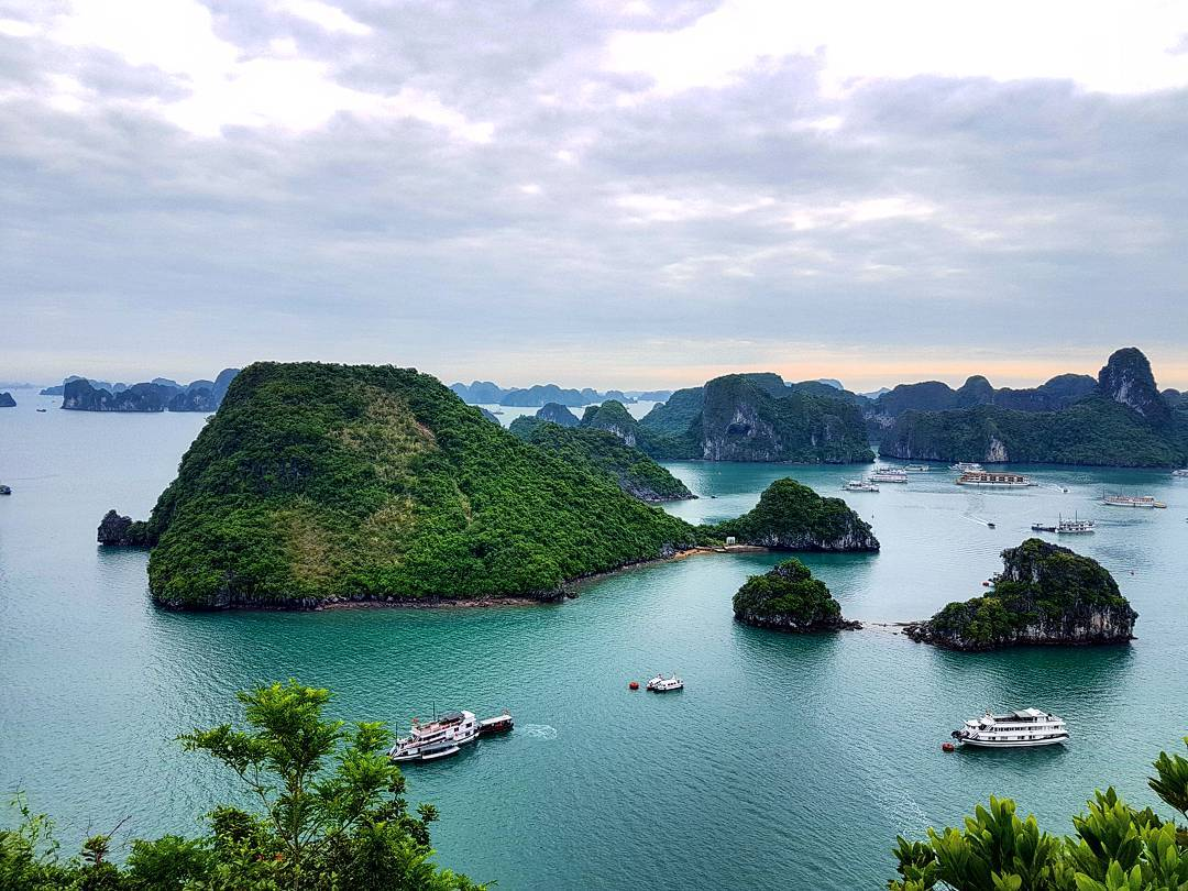 Halong Bay to photograph