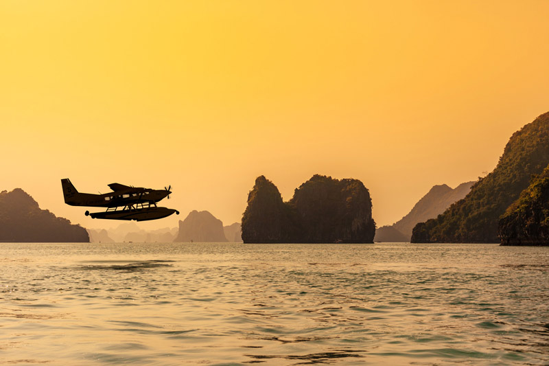 Seaplane_Halong_Sunset