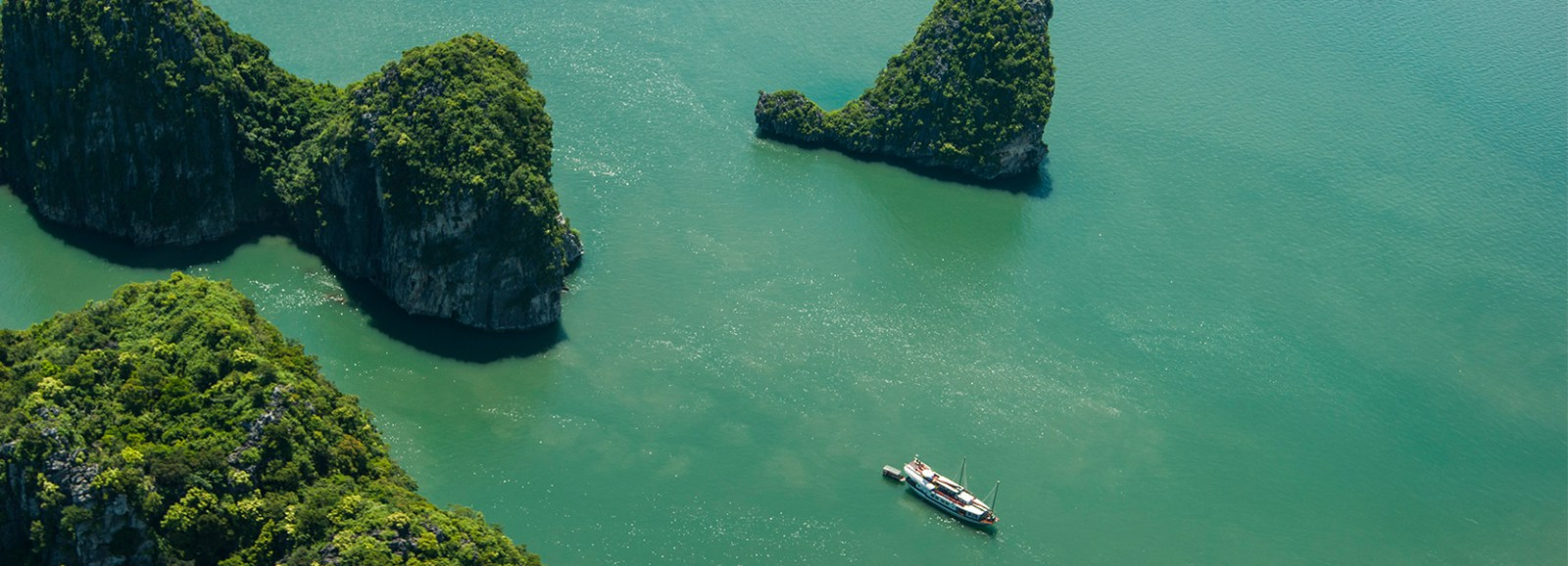 10 exceptional features of Vietnam's Seaplane ride