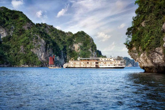 Hanoi to Halong Bay: 7 ways to travel | The 2020 Guide