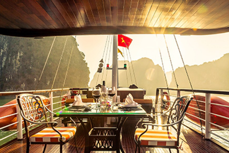 Halong Bay 1D: Scheduled Roundtrip Flight & L'Azalée Private Premium Cruise